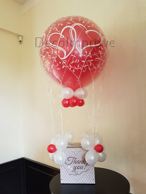 Liefdevol Rood Luchtballon Ballonecoratie