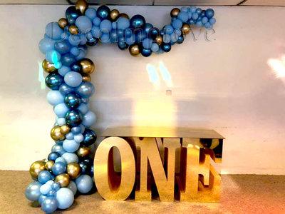 Organic Chroom Blauw en Goud Driekwart Ballonnenboog