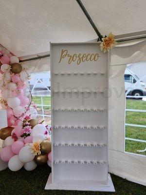 Proseccowall wit met Gouden letters 48 Glazen Verhuur
