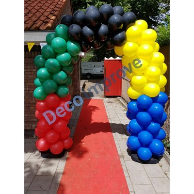 Enkeldeurs Ballonnenboog met Vlakkenpatroon CLusters van 4 Ballonnen