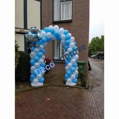 Frozen Ijs Ballonnenboog Enkeldeurs met clusters van 4 ballonnen
