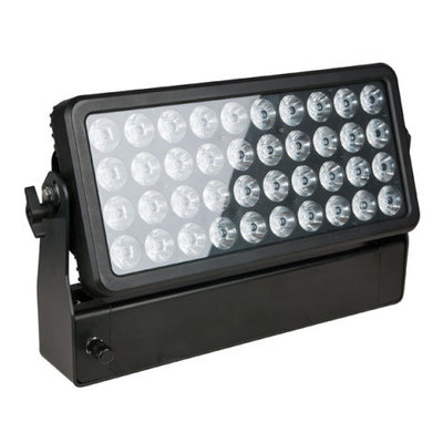 Showtec Helix 4000 Q4 40 x 10W RGBW 4-in-1 LED IP54 wall wash schijnwerper